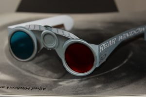 Another mock-up of the binocular glasses with cyan and red lenses.